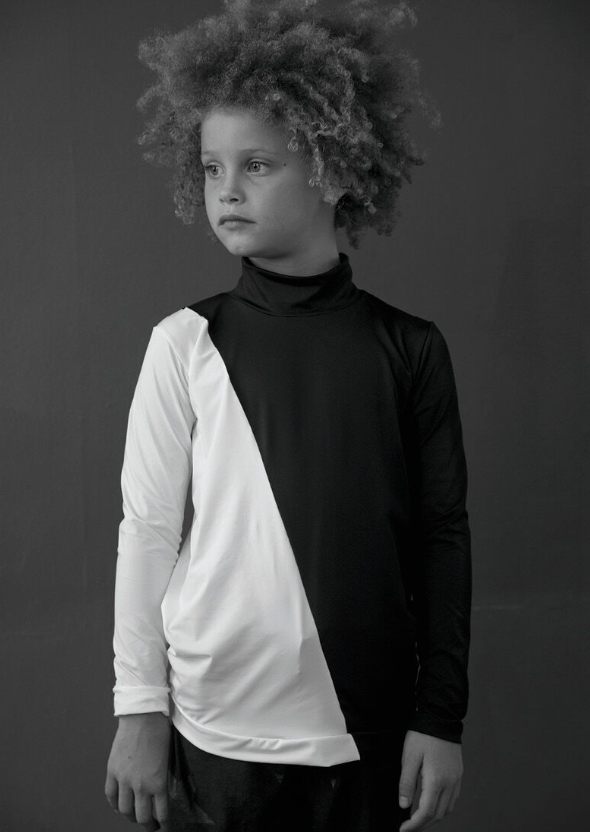 nununu - HALF & HALF RASH GUARD - Black & White